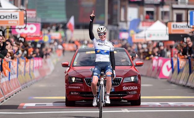 Van der Breggen faz história com vitória na Liege-Bastogne-Liege
