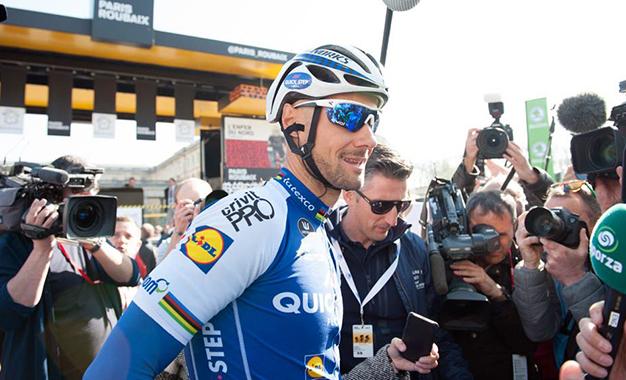 Boonen na largada da Paris-Roubaix 2017