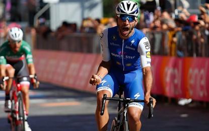 Giro: Gaviria fatura sprint e a maglia rosa na terceira etapa