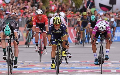 Giro: Caleb Ewan vence 7ª etapa, decidida no Photo Finish