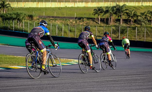 No autódromo de Interlagos Foto: Sergio Borges / Bike Series