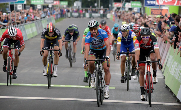 Sagan e Greg Van Avermaet ficaram em 2º e 3º
