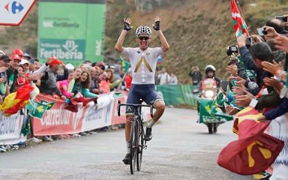 Vuelta: Denifl vence, Contador acelera e Froome sofre em Los Machucos