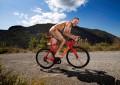 O ciclista nu: o que há por baixo do uniforme de Froome?