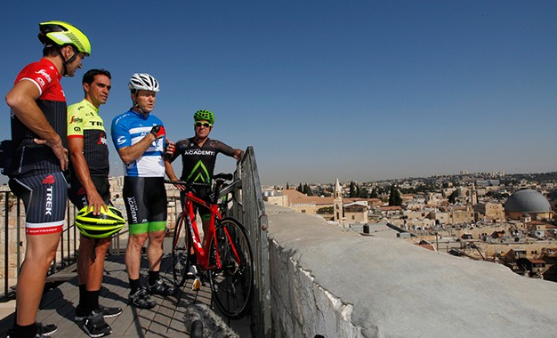 Giro 2018 começa em Israel e terá etapa de 226 km no deserto