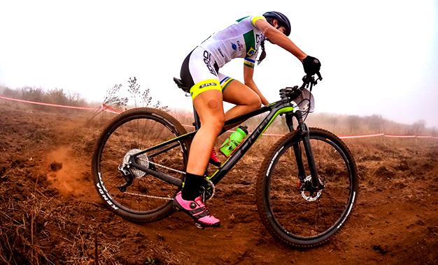 Bikemagazine – Conheça a Oggi Agile Squadra, a bike de carbono do ... 1d1859b1f8