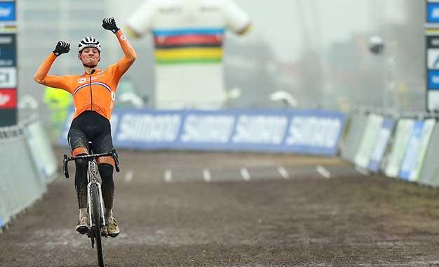 Mundial de Ciclocross: Van der Poel é tetracampeão