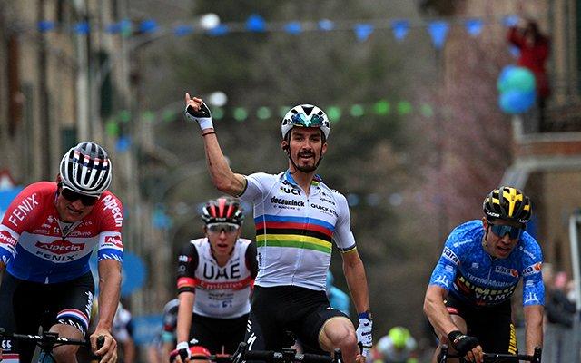 Tirreno-Adriático: Alaphilippe vence 2ª etapa; Van Aert continua líder