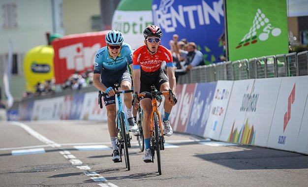 Tour dos Alpes: Pello Bilbao vence a 4ª e penúltima etapa
