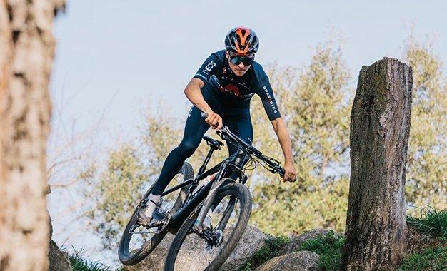 Tom Pidcock volta ao MTB com vitória na Swiss Bike Cup