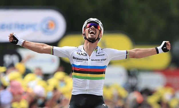 Tour: Alaphilippe vence 1ª etapa, que teve duas grandes quedas
