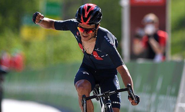 Tour da Suíça: Carapaz vence 5ª etapa e é o novo líder