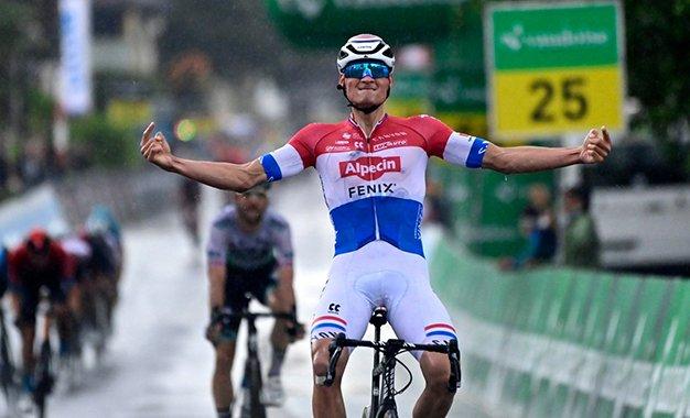 Tour da Suíça: Mathieu van der Poel vence a 2ª etapa