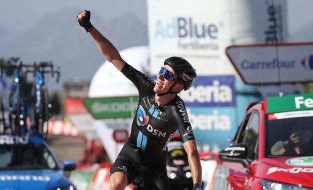 Vuelta: Bardet vence 14ª etapa e lidera classificação de montanha