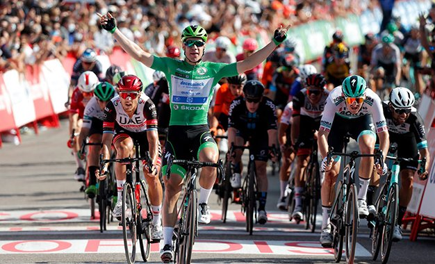 Vuelta 2021: camisa verde Jakobsen vence a 16ª etapa